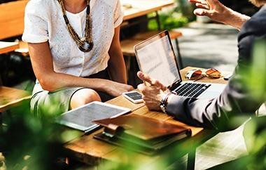 .adult-blur-business-630839_meeting_pexels-1