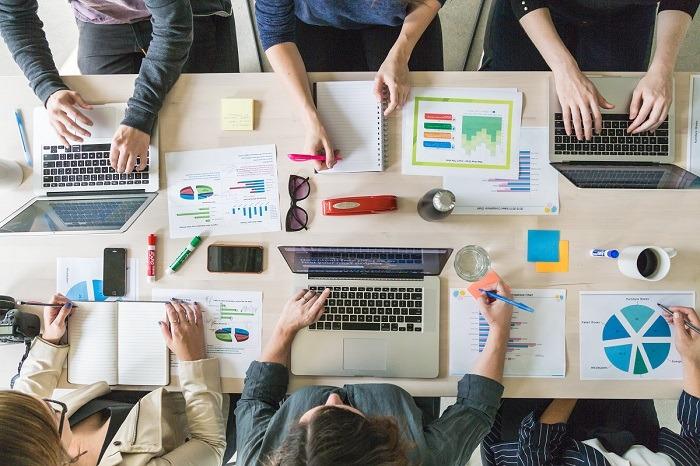 .business-team-meeting-boardroom_4460x4460-1