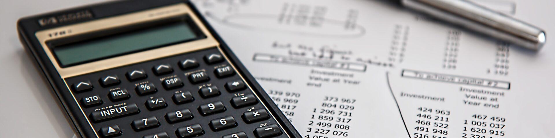 .calculator-calculation-insurance-finance-53621