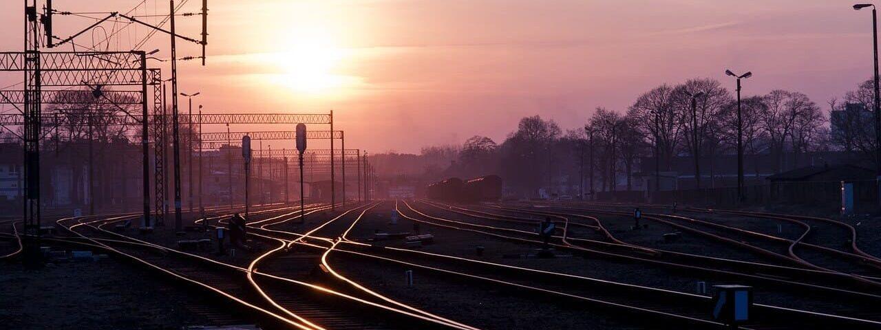 .pixabay-rails-820000_1280